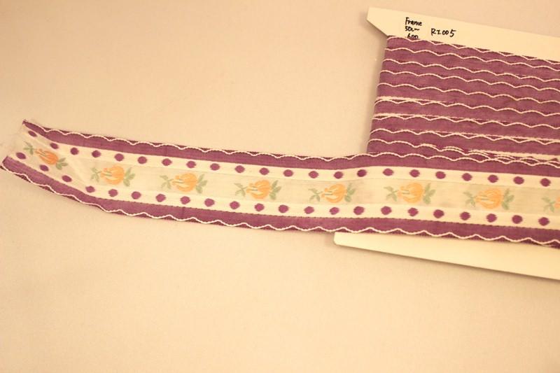 フランスアンティーク 刺繍リボン パープルスカラップ ピンクのお花