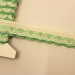 スカラップ刺繍リボン ライトグリーンの小花 チェコアンティーク