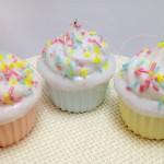 パステルカラーのカップケーキチャーム 3色セット